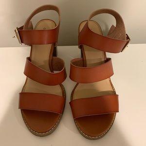 Old navy tan strap shoe